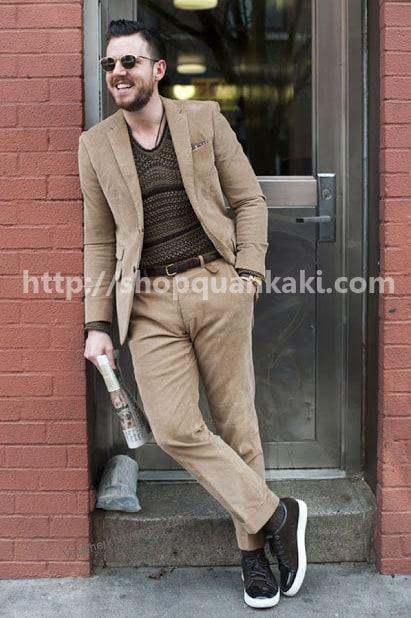Style mặc quần kaki ống suông-1
