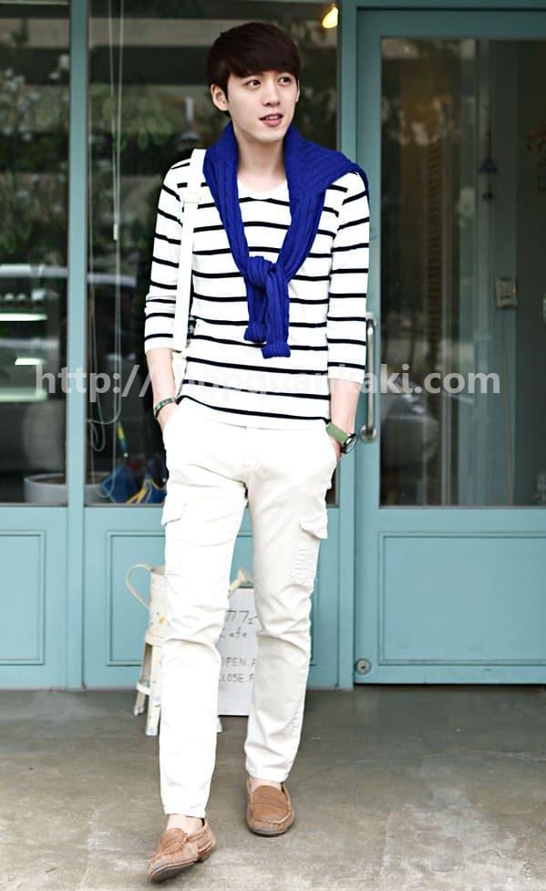 Style mặc quần kaki ống suông