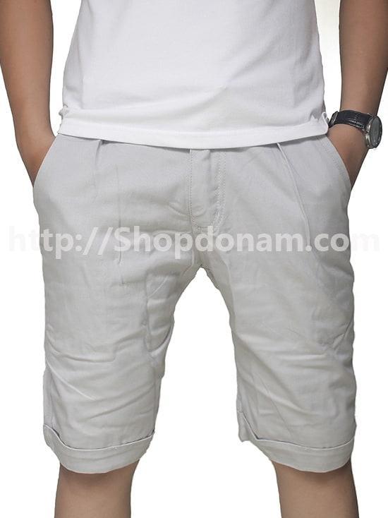 Quần short kaki nam màu trắng xám Mango-1